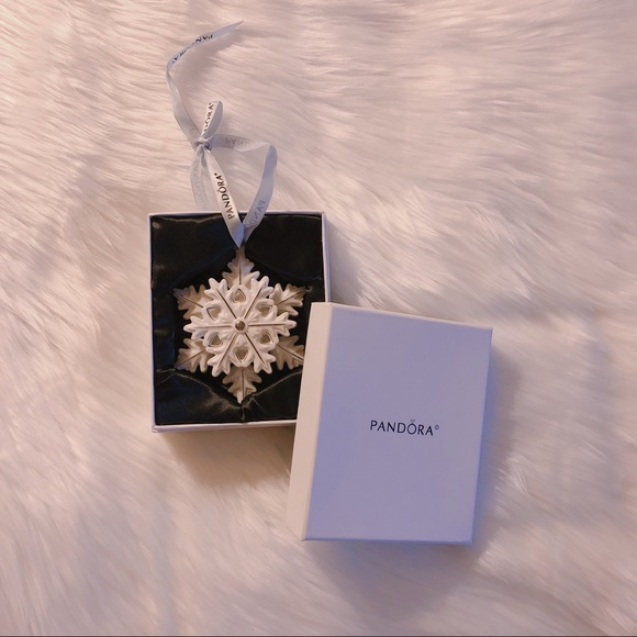 BNIB Pandora Limited Edition Snowflake Ornament
